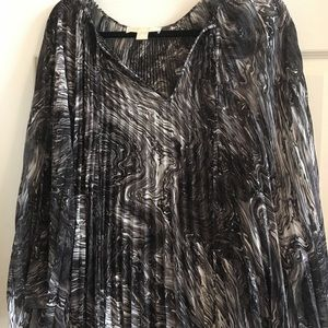 Michael Kors all over pleated swing top